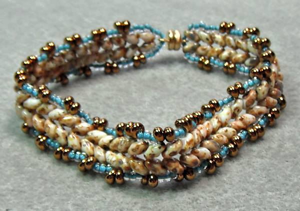 Herringbone Bracelet Using Superduo Beads